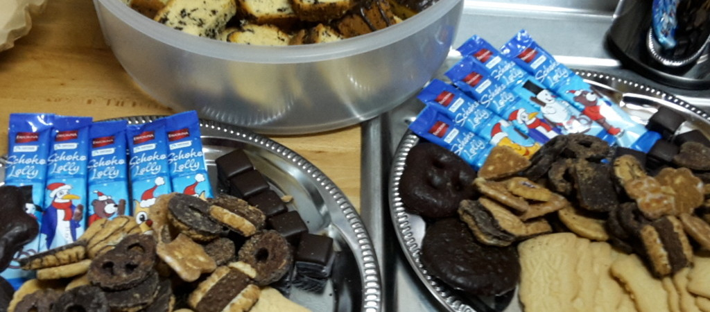 Kuchen und Schokolade für die Jugendlichen und deren Betreuer